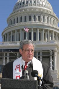 Welton Speaks on the Capitol Steps
